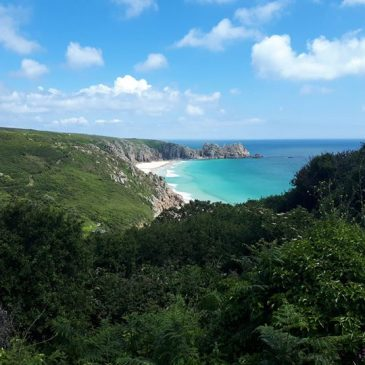 June is one of our favourite times of the year here at Chegwidden. Beautiful green hedges and clean blue seas! We are only a short walk from the beautiful porthcurno beach and the amazing south west footpaths.